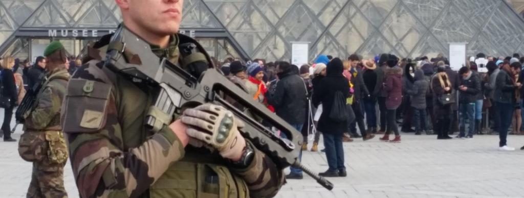 Une image contenant personne, uniforme militaire  Description générée automatiquement